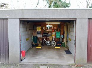 Garagebox te Evergem.<br /> Deze garagebox is optioneel bij aan te kopen bij appartement.<br /> Voldoende ruimte voor het plaatsen van een wagen en op