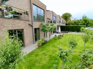 Prachtig gelijkvloers appartement met rustige ligging! Dit zeer ruime appartement met een bewoonbare oppervlakte van maar liefst 145 m2 is een echte b