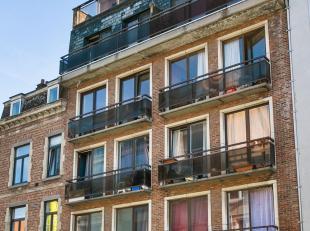 In het midden van de bruisende studentenstad Leuven, kan u deze studio terugvinden. De perfecte uitvalbasis voor uw studerende kinderen, ideale woonst