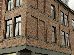 Luxe duplex kamer op toplocatie te koop! Het bevindt zich op slechts 500 meter van het bekende Monseigneur Ladeuzeplein, 600 meter op het station en o