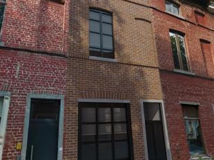Uiterst goed gelegen opbrengsteigendom te koop in centrum Leuven. Deze eigendom is opgebouwd uit 4 units, waarvan 1 duplex-studio en 3 kamers met eige