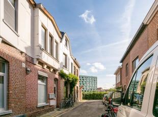 Je vindt dit opbrengstpand terug in de rand rond Leuven. Gelegen in een rustige, doodlopende straat in Kessel-Lo, vlakbij het station en het centrum v