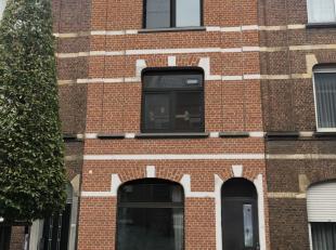 In het bruisende hart van Leuven, kan je deze volledig vernieuwde residentie terugvinden. De kleinschalige residentie is gelegen in een é&eacut