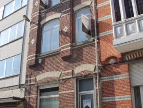 Deze woning is ideaal gepositioneerd in het Leuvense - regio Station Leuven - met parkeergelegenheid in de naburige omgeving en winkels en scholen op