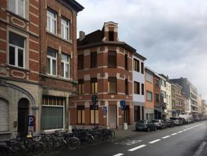 Op minder dan 200m van het Ladeuzeplein, kan u weldra de vernieuwde Residentie NUVOLA bewonderen. Dit renovatieproject behoudt de charme van haar prac