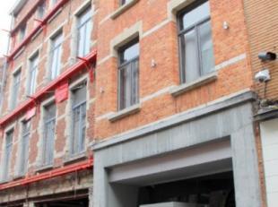 In het hartje van Leuven, naast de Oude Markt, kan u dit gerenoveerde opbrengsteigendom terugvinden. Afgewerkt met hoogwaardige materialen en een mode