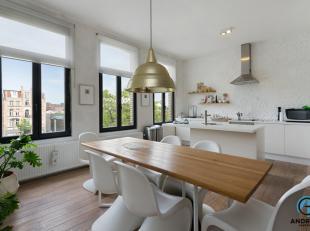 Dit stijlvol gerenoveerde appartement is gelegen aan he gezellige Damplein in een opkomende buurt (Park Spoor Noord).<br /> Via de inkomhal komen we i