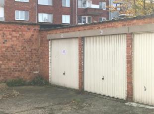 Garagebox te huur achter het gebouw