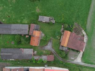 Te renoveren boerderij te koop op een perceel van 5 199m2 op een prachtige ligging in Waardamme.Er staan 4 bijgebouwen op het perceel, naast de woning