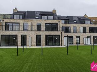 Ruim gelijkvloersappartement van ca 115 m² met tuin voorzien van omheining en kunstgras, Westgericht terras, ondergrondse autostaanplaats, privat