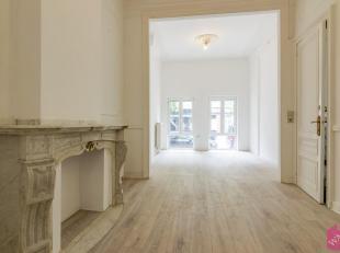 Volledig gerenoveerd, zeer licht handels gelijkvloers op zeer goede commerciële ligging. Indeling: prachtige handels of kantoor ruimte, daarachte