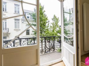 Uniek en prachtig appartement in prachtig gebouw op Zurenborg! Luxueus gerenoveerd op een zeer goede ligging met terras.Indeling: vanuit de lift betre