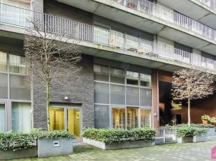 Zeer  mooi duplex appartement van ca 95 m² op een toplocatie te midden van de hippe buurt t Zuid. Om de hoek ligt de bekende Kloosterstraat met d