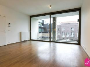 Modern nieuwbouw appartement met 2 slaapkamers en zonnig terras. Zeer gunstig gelegen in het centrum van Antwerpen, het appartement ligt aan de achter