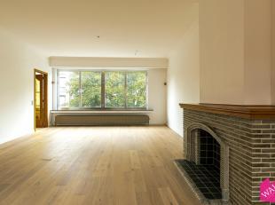 Ruim en lichtrijk appartement op een zeer centrale ligging met 2 slaapkamers. Wij vinden dit charmant appartement op een rustige locatie vlak aan de N