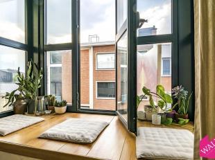 Super gezellig duplex appartement met terras op een schitterende locatie. Dicht bij winkels, openbaar vervoer, stadsfietsen, winkels, bars / restauran