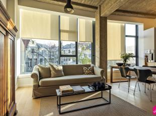 Zeer lichtrijke en moderne studio afgewerkt in loft stijl - industriële en strakke elementen geven hier een comfortabel woongevoel.Dit uniek pand
