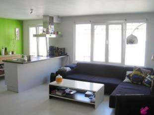 Volledig gerenoveerd appartement op de 1e verdieping met 1 (+1) slaapkamer op leuke ligging in Antwerpen Centrum nabij het Mechelsplein. Onmiddellijk