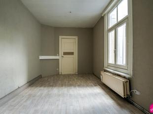 Studio gelegen aan het Eilandje. Indeling: leefruimte met daaraan de keuken, badkamer met toilet en ligbad.De maandelijkse kosten bedragen 35euro/maan