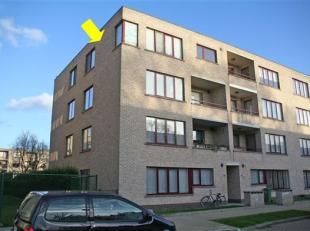Degelijk, recent appartement met 3 slaapkamers en terras achteraan op de 3e verdieping van een klein gebouw. Mooie ligging en recente verkaveling aan