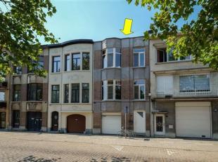 Grondig gerenoveerde woning (met behoud van originele elementen) met 4 slaapkamers, gelegen tussen de parken Boekenberg en Te Boelaer. Op het gelijkvl