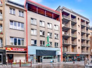 Hotel/logies met handelspand (wassalon) en privatief penthouse op een uiterst commerciële ligging in het centrum van Oostende vlakbij het strand,