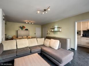 Instapklaar appartement (74m²) met zeer goede ligging nabij de dijk, 't Paard van Oostende, casino & shopping. Zeer goed bereikbaar met het o