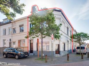 Zeer ruime hoekwoning met een bewoonbare oppervlakte van maar liefst 220m² gelegen in het rustige Westerkwartier!<br /> De woning is als volgt in