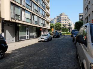 Autostaanplaats 21 gelegen op de -1verdieping van Residentie Picadilly in de Warschaustraat.<br /> Deze staanplaats is geschikt voor een kleinere pers