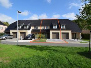 Deze recente, bouwjaar 2012, woning gebouwd door Durabrik voldoet aan alle huidige eisen qua veiligheid (elektriciteit conform A.R.E.I.), luchtververs