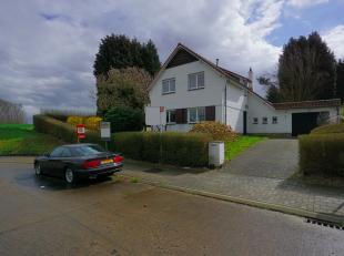 Voor meer informatie of een bezoek contacteer Joan van OC vastgoed: 0484 82 73 92. Prachtige gerenoveerde villa op een stuk van 10A met zuid-west geri