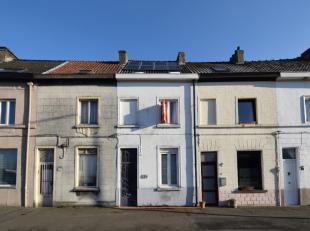 Voor meer info of bezoek bel Philip 0475757251. philip@ocvastgoed.beTe renoveren gesloten bebouwing te Gentbrugge, terreinoppervlakte 63m2. Het dak ev