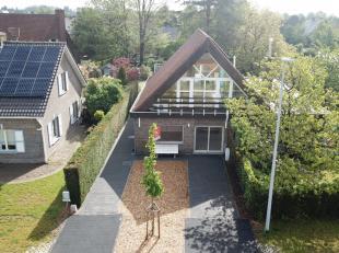 De woning is gelegen in een heraangelegde rustige en residentiële wijk. Zeer ruime woning met loftgevoel.4 slaapkamers (3 op gelijkvloers verdiep