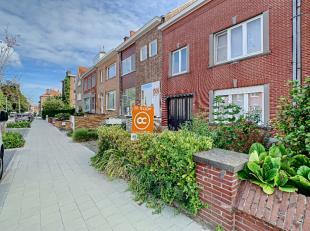 Voor meer informatie of een bezoek contacteer Joan van OC Vastgoed: 0484 82 73 92.Deze woning is zeer goed gelegen vlak bij het centrum van Kortrijk.