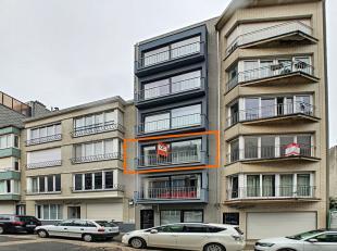 Dit prachtig, instapklaar appartement van 63 m2 bevindt zich, op slechts 50 meter het strand en 300m van de winkelstraat. De perfect locatie dus! Naas