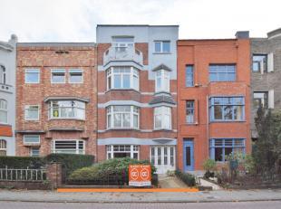 Voor meer info of bezoek bel 0475757251 of philip@ocvastgoed.beHet appartement is gelegen vlakbij het Sint-Pietersstation, met een zeer mooie ligging