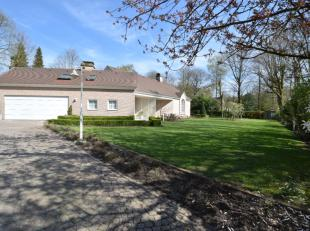 Deze prachtige villa (400m2 bewoonbare oppervlakte) is gelegen op de Heide in Waasmunster en schept een oase van rust.Het terrein van maar liefst 3345
