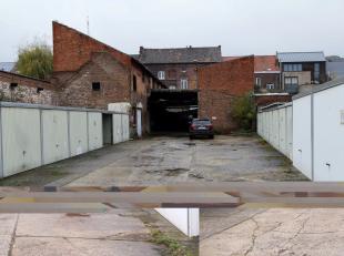 Garageboxen gelegen op enkele minuten wandelen van het centrum van Sint-Truiden. Deze bevinden zich op de Halmaalweg 9 te Sint-Truiden.<br /> <br /> W
