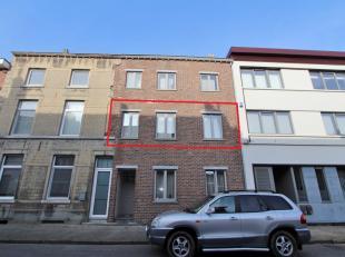 Gemeubeld appartement met 1 slaapkamer en terras aan de stadsrand, vlakbij het station van Landen. Dit knusse appartement is gelegen op de 1ste verdie