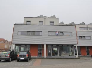 Modern appartement met 2 slaapkamers in de nabijheid van winkels, bakker, Carrefour, ... aan de rand van het centrum van Sint-Truiden. Het pand bevind