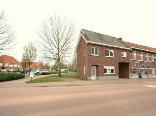Ruime gerenoveerde woning/appartement in het centrum van Zonhoven.Dit pand werd afgelopen maanden gerenoveerd en ligt op wandelsafstand van scholen, w