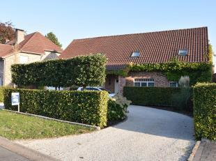 Prachtige landelijk moderne vrijstaande woning op een mooi aangelegd perceel van 06 are 76 ca. De woning is tot in de puntjes afgewerkt en oogt zeer g