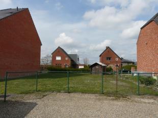 Perceel is gelegen in het centrum van Bocholt.  Mooi perceel voor een halfvrijstaande woning op een zuidelijk georiënteerd perceel van 4 are 12 c