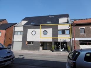Nieuwbouw-appartement in het centrum van Maasmechelen. Centrale ligging, nabij het centrum van Mechelen-aan-de-Maas, de winkels, gemeentehuis, bibliot