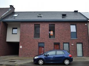 Tof en gezellig duplex appartement met ruim terras. <br /> Rustig gelegen in Opgrimbie- Maasmechelen. Centrale ligging, vlakbij het centrum van Maasme