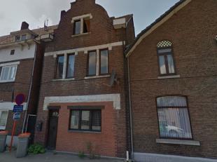 Ruime woning met 4 slaapkamers in Eisden-dorp. <br /> <br /> Deze woning bestaat uit een inkomhal, een leefruimte, een keuken en een ruimte met toilet