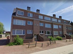 Appartement met 2 slaapkamers. Centraal gelegen op de Oude Baan, nabij het centrum van Maasmechelen.<br /> <br /> Deze woning bestaat uit een inkomhal