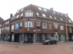 Gezellig appartement op de bovenste verdieping van een gebouw, gelegen aan de Pauwengraaf en in de nabijheid van winkelcentrum M2 en Maasmechelen Vill