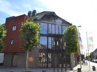 Prachtig nieuwbouw-appartement met 2 terrassen. Centraal gelegen in het centrum van Eisden vlakbij winkelcentrum M2, de Pauwengraaf en Maasmechelen Vi