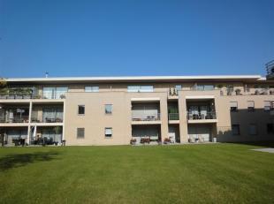 Gezellig en luxueus afgewerkt appartement op de eerste verdieping met terras en parking.<br /> Zeer rustige ligging nabij het centrum van Maasmechelen